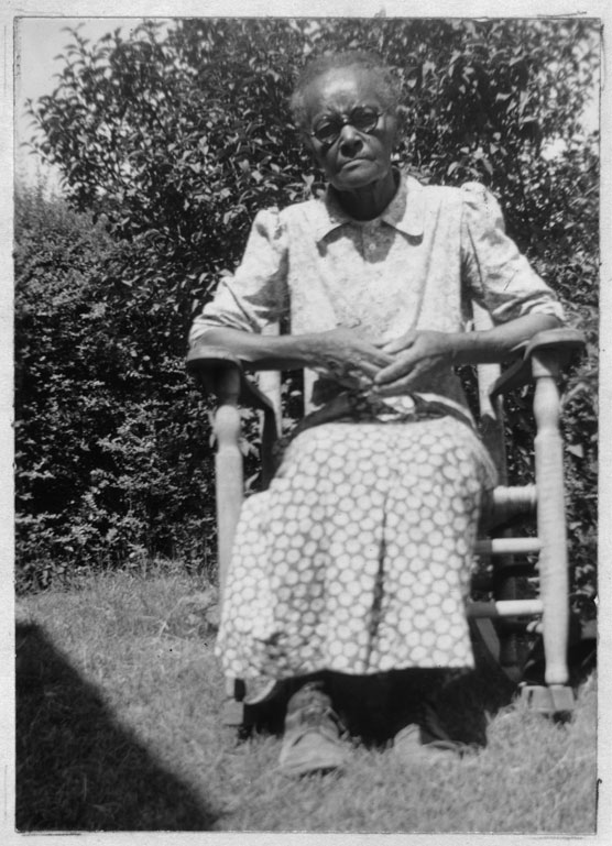 This image shows Margrett Nillin, formerly enslaved in Palestine, Texas, at the age of 90. Nillin was interviewed by members of the Federal Writers' Project in Fort Worth, Texas in 1937.  Library of Congress, Manuscript Division