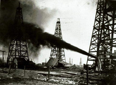 Spindletop 1901. Image courtesy of Texas Energy Museum.