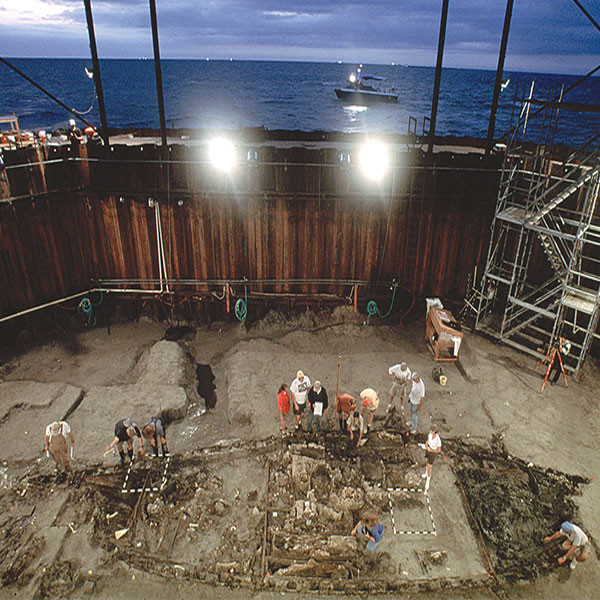Excavating La Belle within the cofferdam in Matagorda Bay. Photograph by Robert Clark.