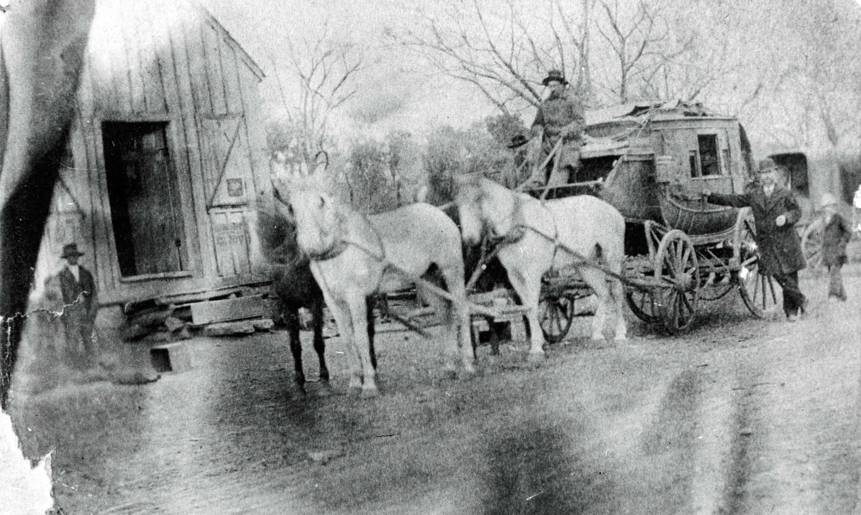 The stagecoach way station at Manchaca Springs. Image courtesy of the Austin History Center.